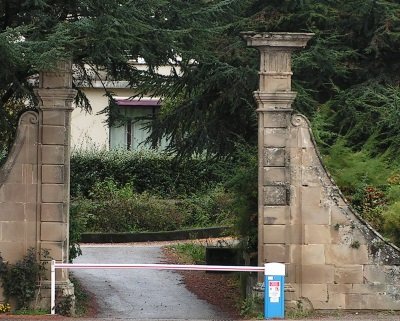 portail-chateau